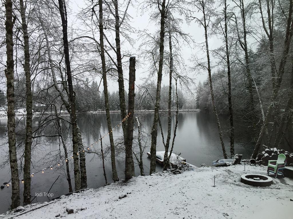 FargherLake_snowChristmasEve
