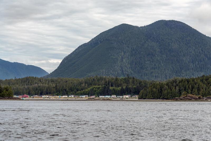 Opitsaht-village,-Tla-o-qui-aht-First-Nations,-Meares-Island,-Tofino,-British-Columbia