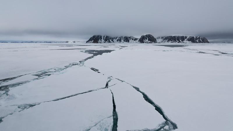 Amsterdamøya, NW Spitsbergen