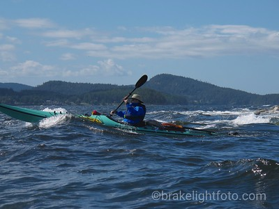 Crossing a Reef in the Belle Chain Islets