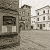 Sulla piazzetta S. Nicolò, uno tra i luoghi più suggestivi di Padova medioevale, racchiusa tra i palazzi Meschini e il seicentesco Palazzo Brunelli-Bonetti, sorge la Chiesa romanica di San Nicolò. Un tempo collegata con il complesso della Reggia Carrarese, la Chiesa di S. Nicolò fu fondata nel 1088, ma nel 1973, durante alcuni lavori di restauro, è stata rivelata la presenza di fondamenta di periodo molto anteriore. Dal 1178, anno in cui fu annoverata come una delle Parrocchie della città, è noto che vi fosse un cimitero in corrispondenza dell'attuale sagrato e che molte famiglie nobili padovane furono sepolte all'interno della chiesa. L'impianto attuale della chiesa risale però al XVI secolo. A seguito di successivi rifacimenti e restauri la chiesa fu sopraelevata e ampliata, con l'aggiunta di una quarta navata sul lato meridionale della chiesa. Il portale, preceduto da un avancorpo e fiancheggiato dal campanile romanico, fu costruito alla fine del XV secolo e fu progettato in stile lombardesco.