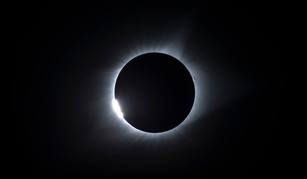 Diamond Ring,  just before totality begins