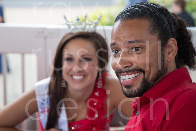 2012_Miss_Ohio_Parade_-_Photo_097