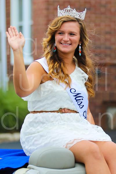 2012_Miss_Ohio_Parade_-_Photo_046