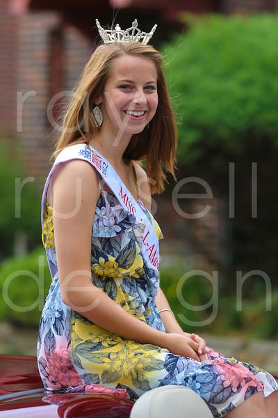 2012_Miss_Ohio_Parade_-_Photo_063