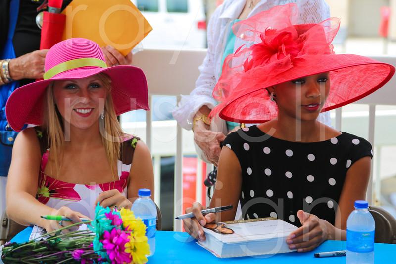 2012_Miss_Ohio_Parade_-_Photo_080