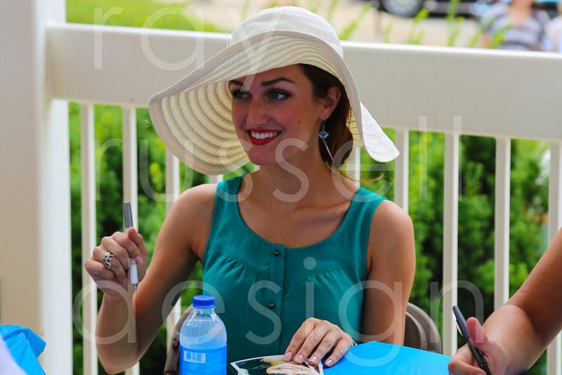 2012_Miss_Ohio_Parade_-_Photo_081