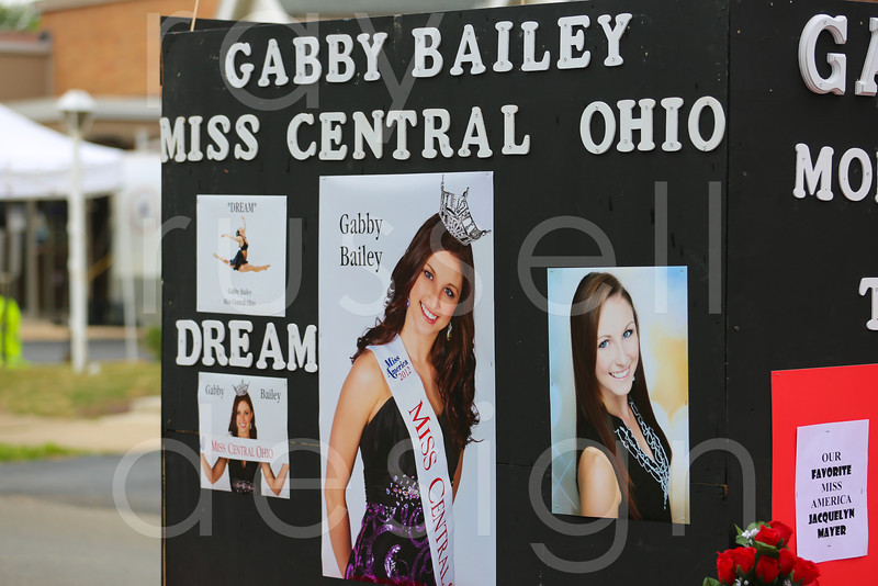 2012_Miss_Ohio_Parade_-_Photo_039