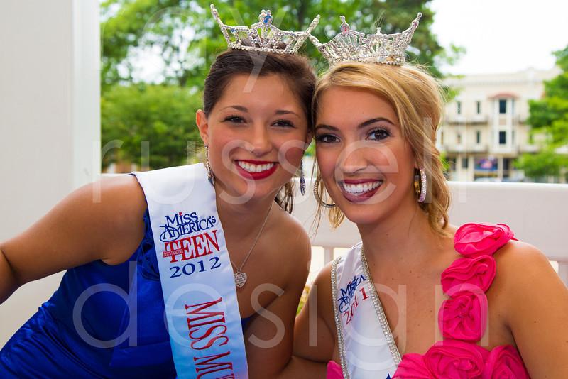 2012_Miss_Ohio_Parade_-_Photo_103