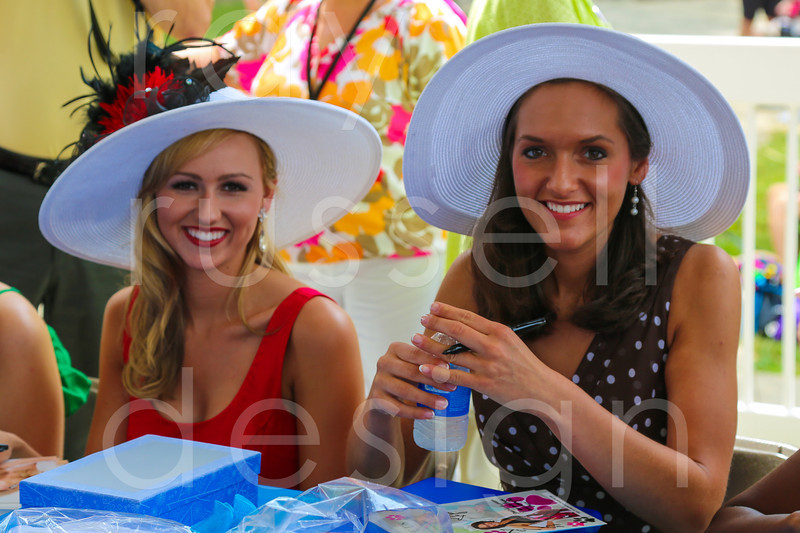 2012_Miss_Ohio_Parade_-_Photo_087