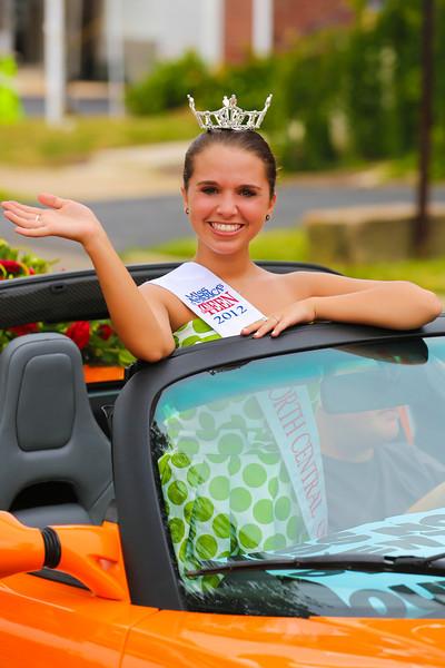 2012_Miss_Ohio_Parade_-_Photo_017