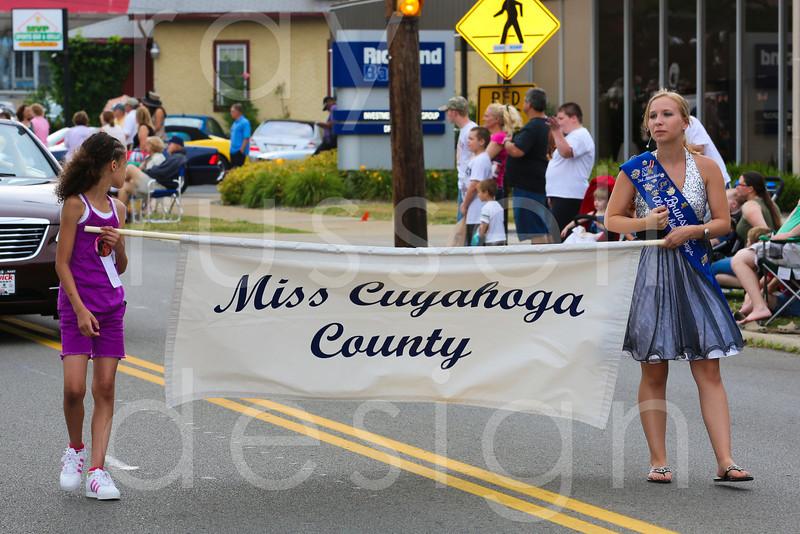 2012_Miss_Ohio_Parade_-_Photo_054