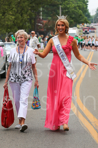 2012_Miss_Ohio_Parade_-_Photo_010