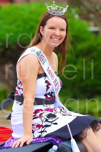 2012_Miss_Ohio_Parade_-_Photo_030