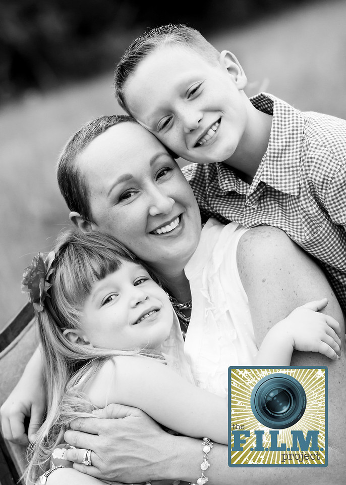 "<h1 class=""notopmargin"">About Us</h1>  <br />  <p><strong>WHO WE ARE</strong>: Photographers nationwide gifting professional family portraits to those who may have a limited time left with their loved ones due to a life-threatening illness.</p>  <p><strong>WHAT WE OFFER</strong>: Free professional family portraits, a gift that families will treasure forever, but is most often the last thing on their mind.</p>  <p><strong>WHERE</strong>: We launched January 1st 2011 in a small town in Indiana where we have grown from a handful of photographers to hundreds.</p>  <p><strong>WHY</strong>: As photographers we have been given the talent of photography. We have been blessed with these talents to bless others.</p>  <p><strong>HOW YOU CAN HELP</strong>: Help us to spread the word to families in need by either giving your time, talent, or monetary donation.</p>"