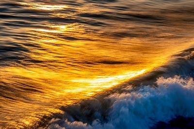 Waves_Sunset_Panned_Motion_1_DKK0661
