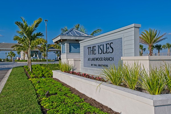SMR New sign monuments - Lake Club and The Isles - 21Feb2019