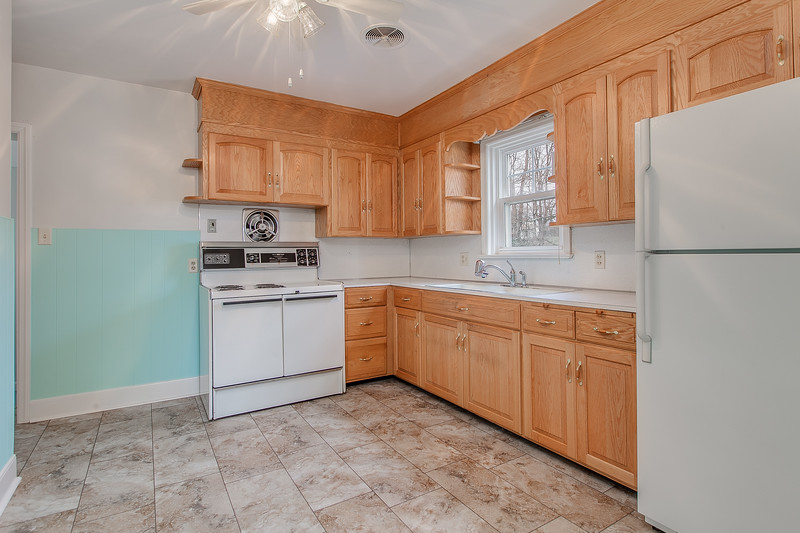 10911 Lincoln Ave-2436