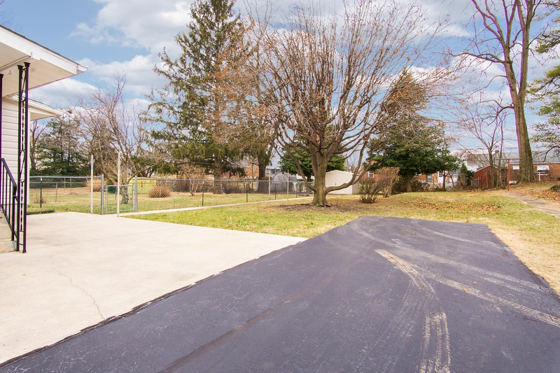 10911 Lincoln Ave-2426