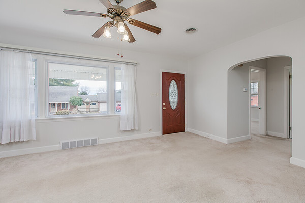 10911 Lincoln Ave-2435