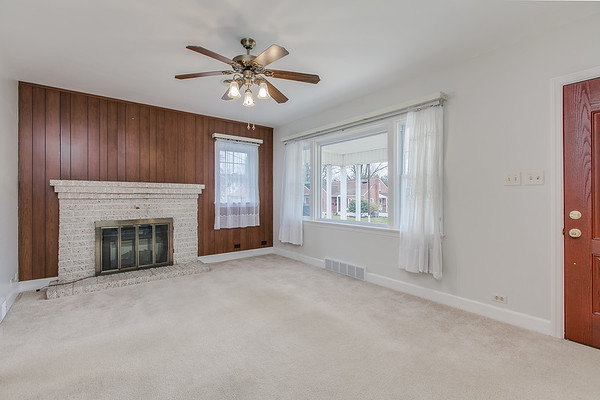 10911 Lincoln Ave-2434