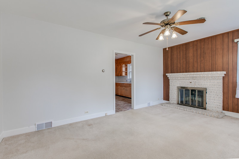 10911 Lincoln Ave-2433