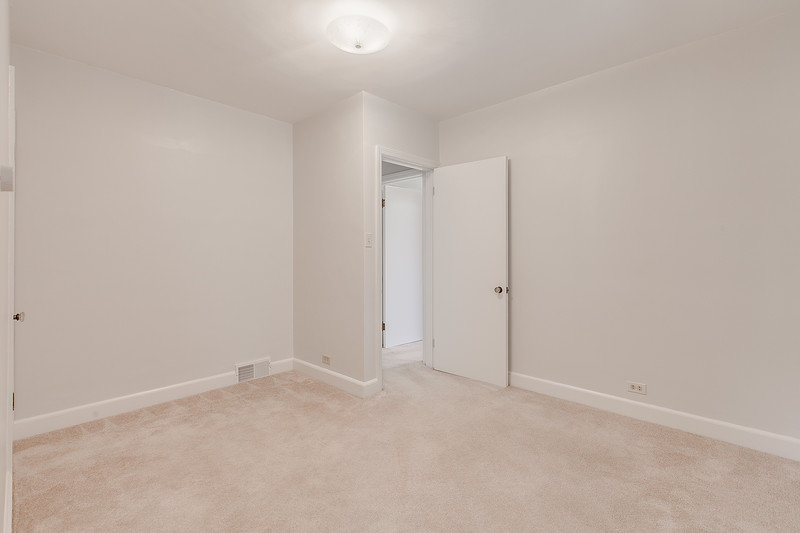 10911 Lincoln Ave-2438