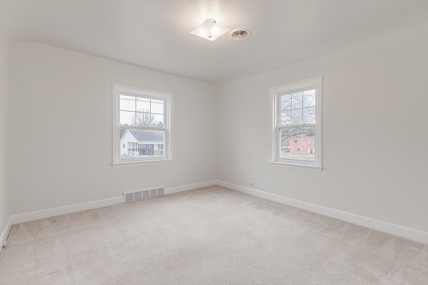 10911 Lincoln Ave-2441