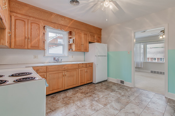 10911 Lincoln Ave-2437