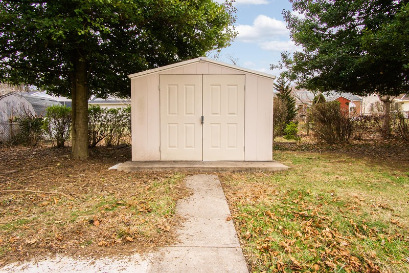 10911 Lincoln Ave-2428