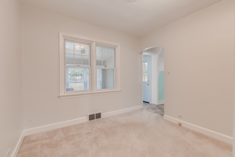 10911 Lincoln Ave-2439