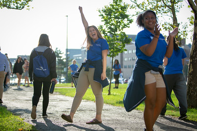 New students moving in at the start of welcome weekend at Governors Hall on North Campus.  Photographer: Meredith Forrest Kulwicki