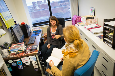 A global genders studies class, offered through the College of Arts and Sciences, in Baldy Hall.   Photographer: Douglas Levere