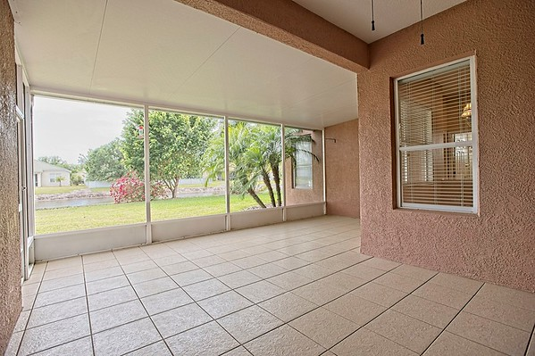 7786 arolla pine blvd, Sarasota 34240 - Darren Dowling Listing