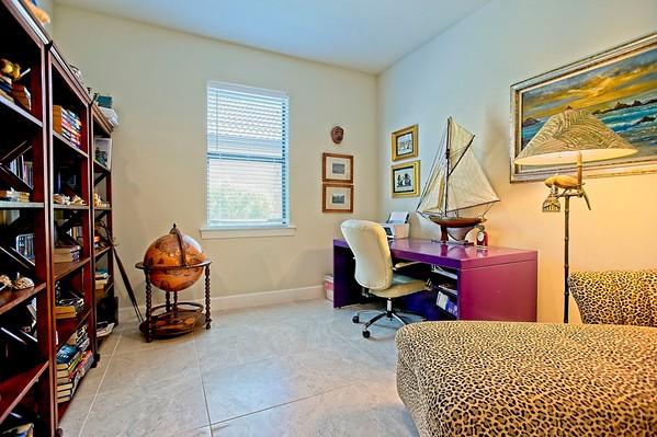 Rothschild - 17114 Seaford Way, Bradenton, FL 34202, USA