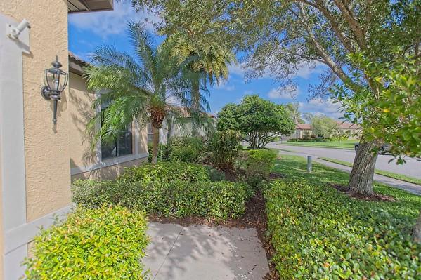 Rothschild Listing - 8219 Stirling Falls Cir, Sarasota, FL 34243