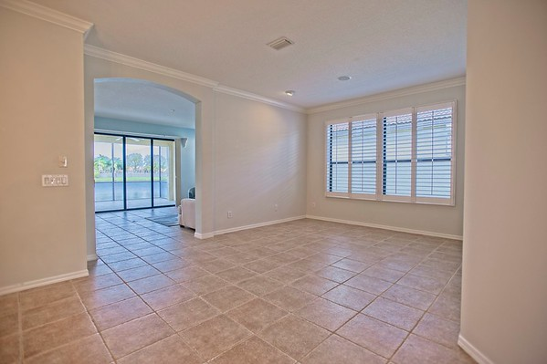 Rothschild Listing - 8219 Stirling Falls Cir, Sarasota, FL 34243