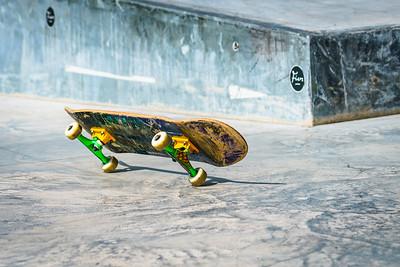 Skateboard on two wheels