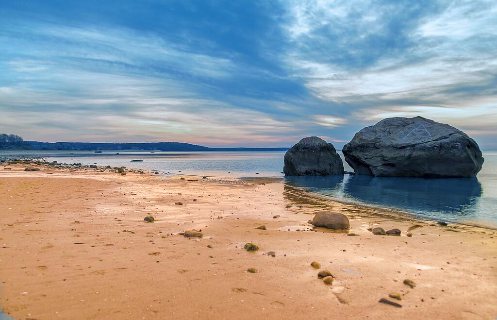 Short Beach Serenity