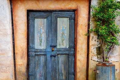 Old_Decorative_Doors_Bldg_DAK8687