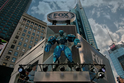 Super Bowl Blvd- Fox Sports Mascot 'Cleatus'