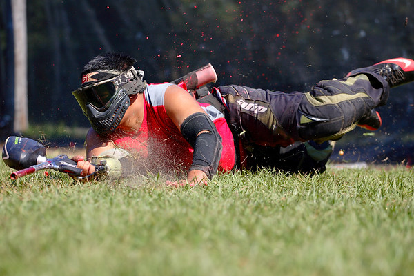 IMAGE: http://www.mikedeep.com/Paintball/Practices-Rec-Ball/World-Cup-Practice-CFP-2010-10/201010101116491D21375/1044035108_eChBN-M.jpg