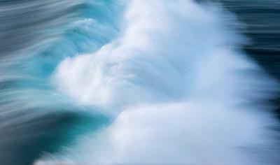 Liquid Shattering in Blue