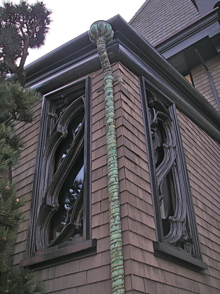 Detail of Maybeck home.