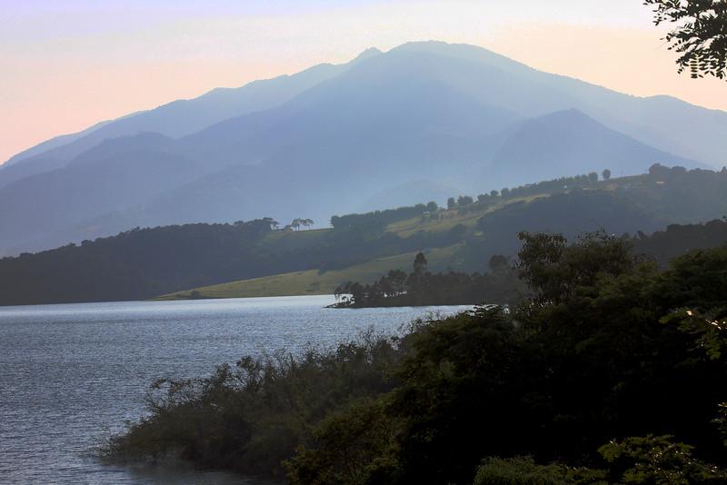 Serra do Lopo Vista da represa