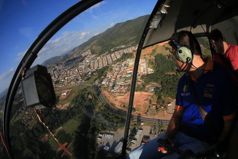 Extrema -Mg passeio de helicóptero