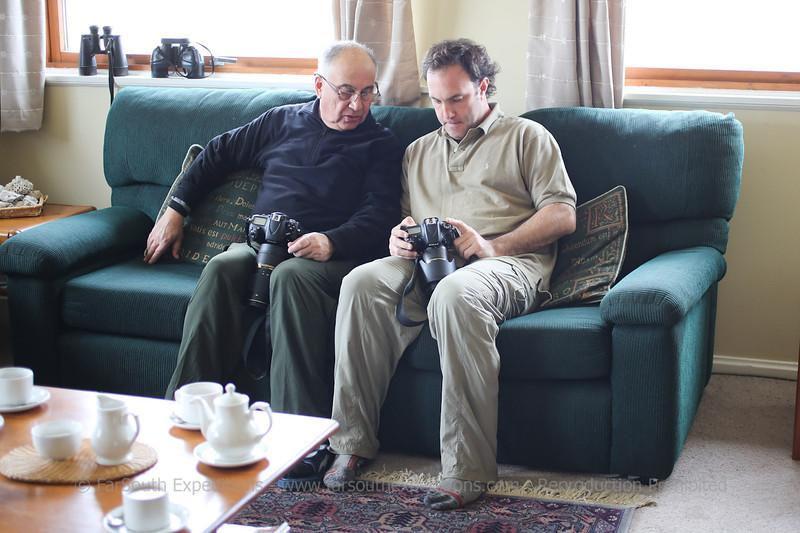 Guests enjoying of a relaxing tea time at Pebble Island, Falkland Islands / Islas Malvinas