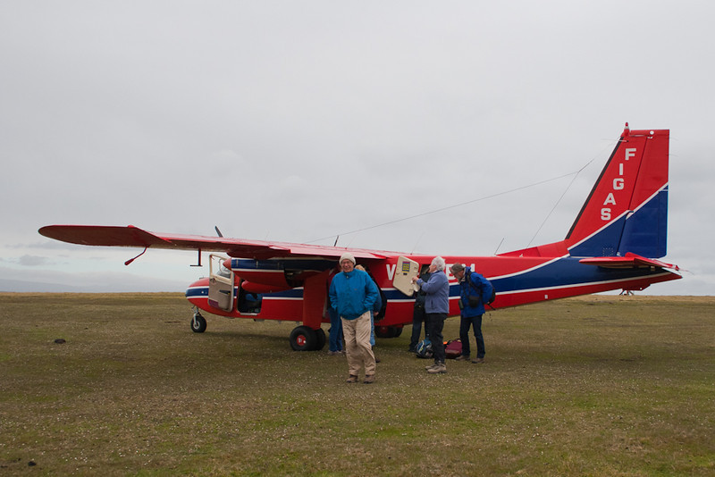 Our group [Borderland Tours. USA] landing at Pebble Island, Falkland Islands / Islas Malvinas