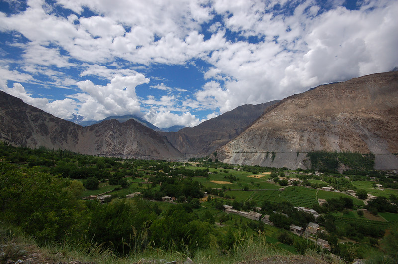One of many beautiful valleys between Gilgit and Karimabad