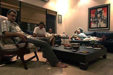 We got to Aasim's place at midnight and thensat around talking until 5 am while Titu and Saad tried to kill us all with their endless smoking.